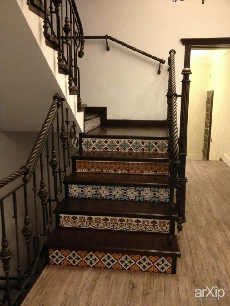 керамическая плитка ручной работы: интерьер, товары, квартира, дом, восточный, марокканский стиль, лестница, лестничная клетка, 20 - 30 м2, лестница, восточный, марокканский стиль, плитка интерьерная, дизайнерская, узор, полоски, квадратик, горошек #interiordesign #products&services #apartment #house #moroccan #stairsstairwell #20_30m2 #stairs #moroccan #tileinteriors #designer #patternedwithstripes #asquare #polkadots arXip.com