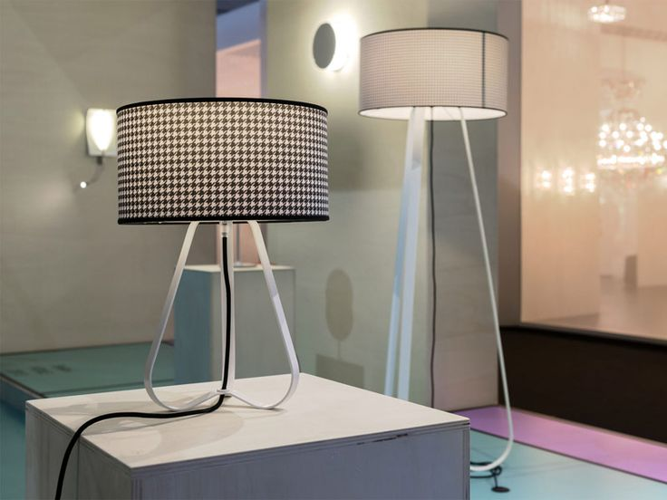 Mannequin table high stand lamp