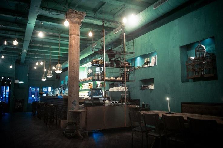 Rose's Cantina in Amsterdam. Het gehele restaurant is geschilderd in kalkverf in een prachtige groene kleur bedacht door Interior Artist Thijs Murre (verantwoordelijk voor de gehele styling), en in samenwerking met Carte Colori ontwikkeld. De schilder die het project perfect heeft uitgevoerd is Stef Kuipers Schildersbedrijf.