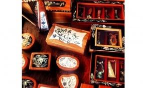 Cajas echas con concha de abulón