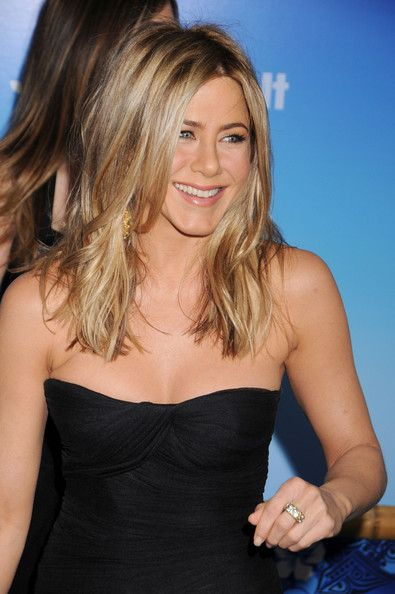 Jennifer Aniston Photos Photos - New York Premiere of 'Just Go With It' - Zimbio
