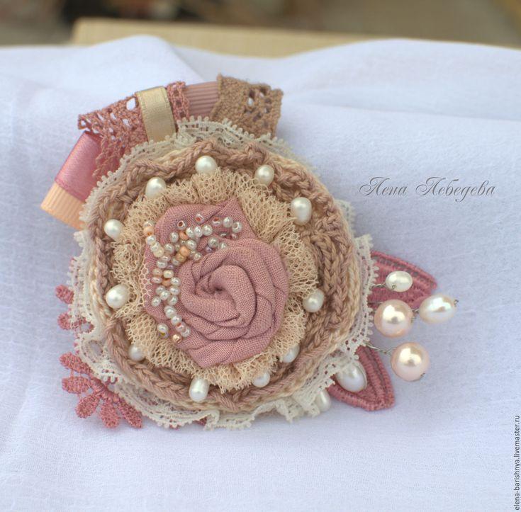 """Купить Брошка с жемчугом """"Валерия"""" - бледно-розовый, романтичная брошь, розовая…"""