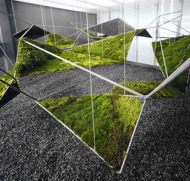 MoistSCAPE / Henry Urbach Gallery, 2004 / steel matrix inset with panels of living moss and enclosed within a translucent volume.