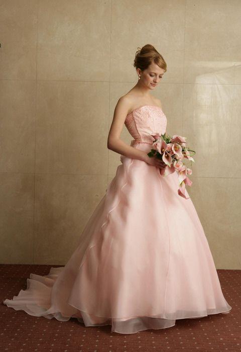 かわいい花嫁さん♡ピンクのマタニティ用ウェディングドレス・花嫁衣装まとめ一覧です♡