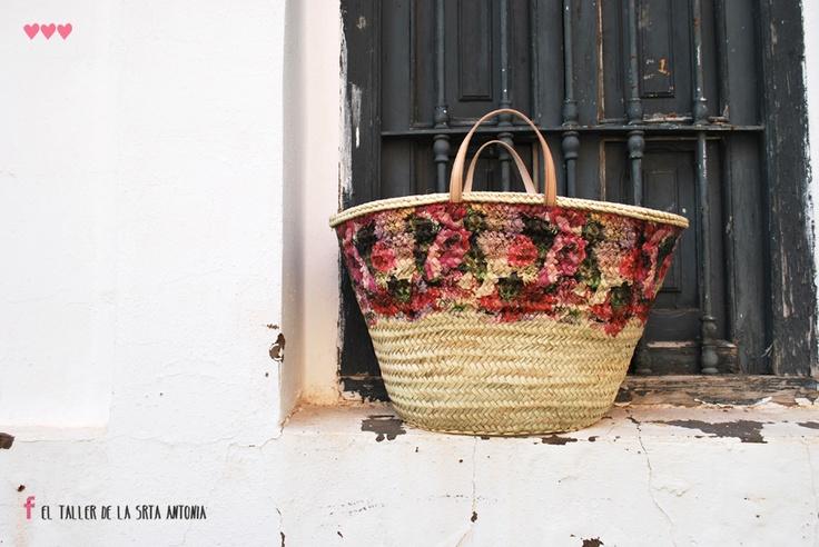 El Taller de la Srta Antonia. Valencia. Spain. Capazo flores, asa Corta. Tamaño XXL 60 x 30 x 37.  www.eltallerdelasrtantonia.com