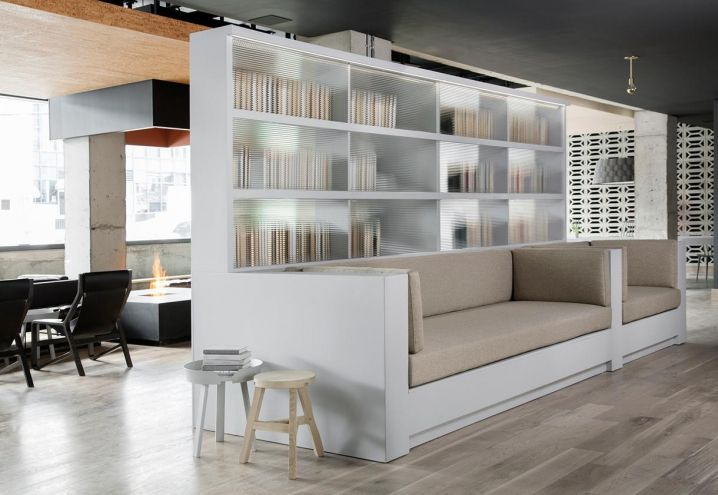 How to create different rooms in an openspace / Come creare diverse stanze in un openspace