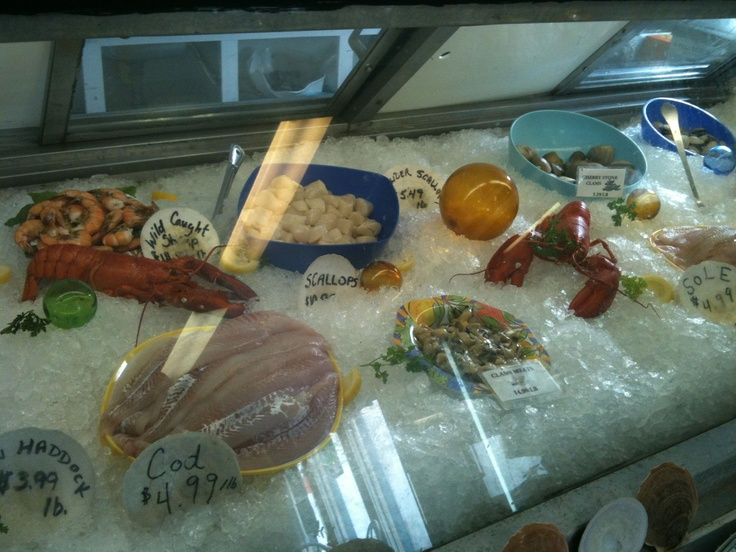 Fresh local seafood from Royal Fundy Seafood in Digby