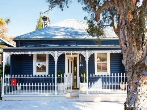 australian cottage bull nose verandah - Google Search Cute lace work!
