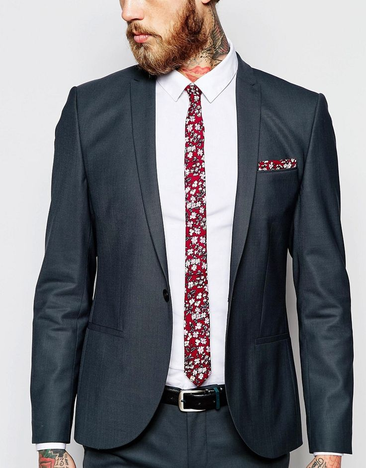 Image 3 of ASOS Tie And Pocket Sqaure In Floral Print Save 21%