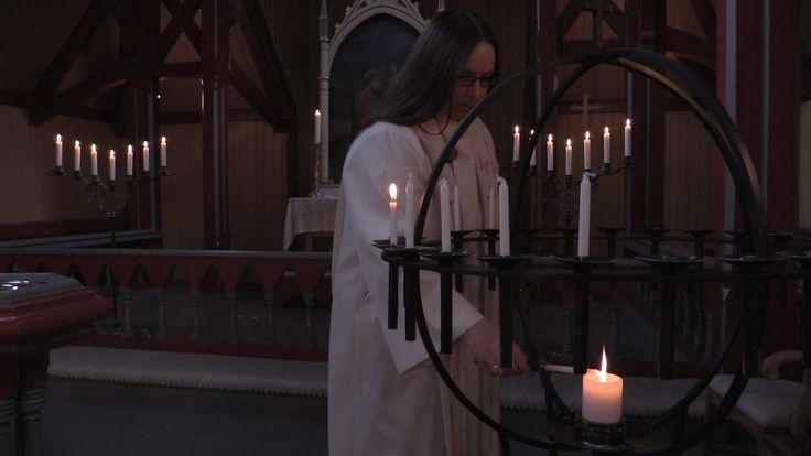 LÆRDAL (NRK): Biskopen var slett ikkje nøgd med at den kvinnelege presten Helene Langeland fann seg ein ny mann utan å gifte seg.