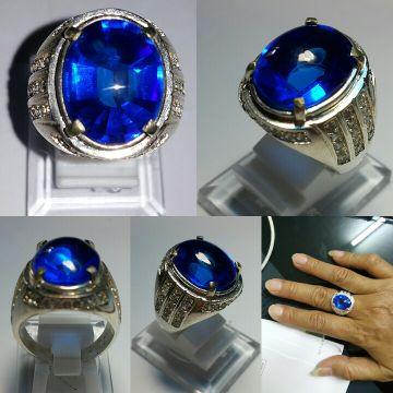 "Product name : Obsidian Luxury Royal Blue Safir  (Obsidian Luxury Royal Blue Sapphire )Dimensions : P: 17, L: 12, T: 8 mmColor : Kashmir BlueShape : Oval Cut : Mixed CutTransparancy : TransparentRing : Luxury Silver Plate 926Ring Size : 19Minat? klik ""BELI""Perhatikan keterangan dan gambar sblm membeli.Perbedaan dapat terjadi karena cahaya. layar. resolusi. dll====================================="