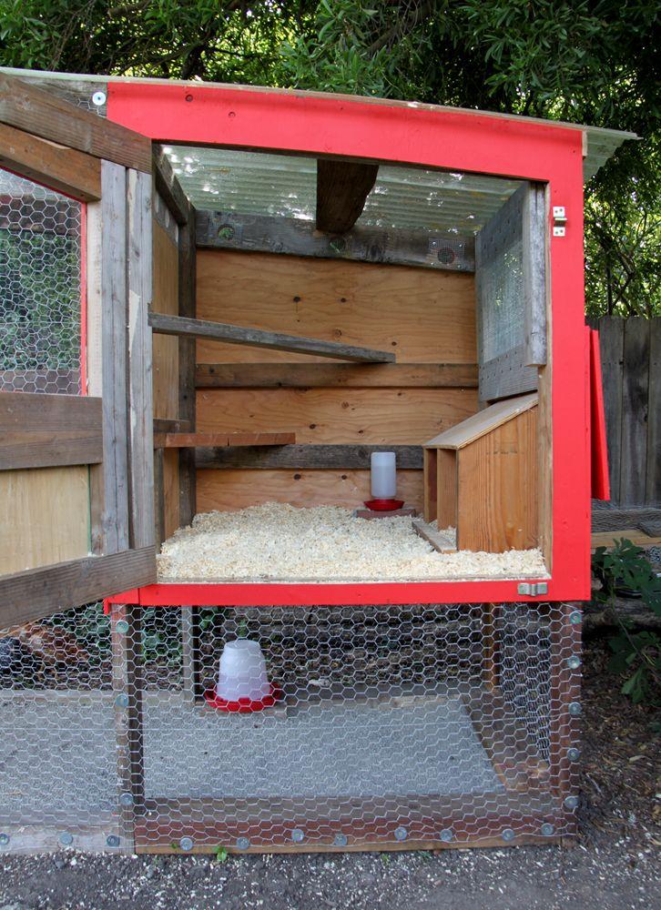 Best 25 inside chicken coop ideas on pinterest for Enclosed chicken run plans