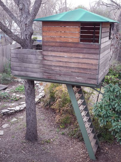 Tree houses tree houses I love tree houses: Major Treehouse, Trees House For Kids, Simple Treehouse For Kids, Cantilev Treehouse, House Trees, Treehouse Playhouses, Dreams Treehouse, Treehouse Envy, Treehouse Ideas