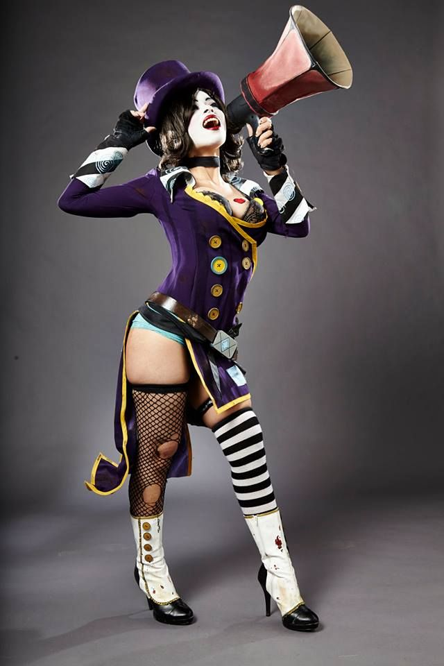 Amazing Mad Moxxi cosplay from Borderlands! - 9 Mad Moxxi Cosplays