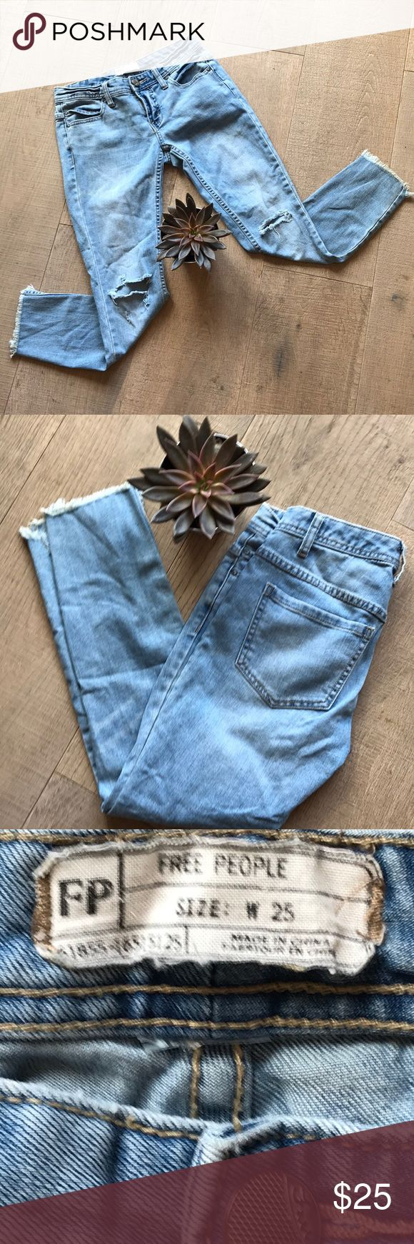 """Free People Jeans - Preloved! Jeans just get better with wear!   Measurements:    Inseam - 24"""".  Out Seam - 32"""". Free People Jeans Skinny"""