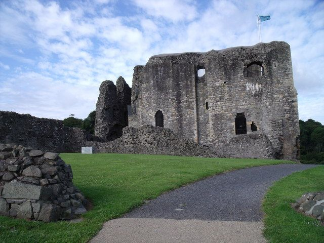 Dundonald Castle and courtyard