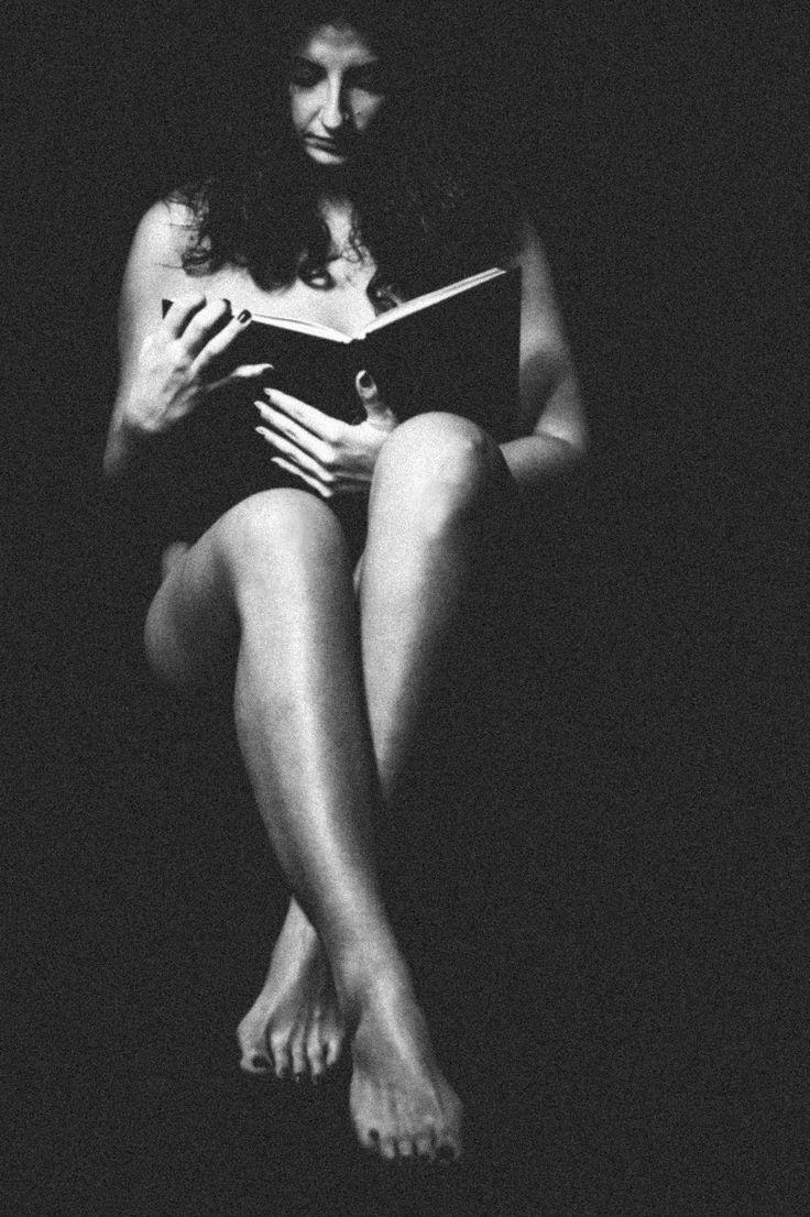 woman, book, portrait, black&white, body