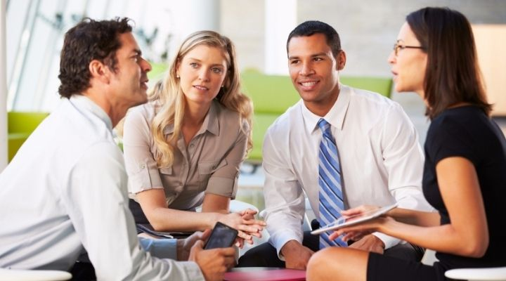 8 Best Examples Of Communication Skills While Interacting With Others