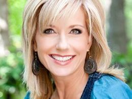 Less about Moore: A Minimal Facts Case for Breaking Free of Beth Moore – Pulpit & Pen
