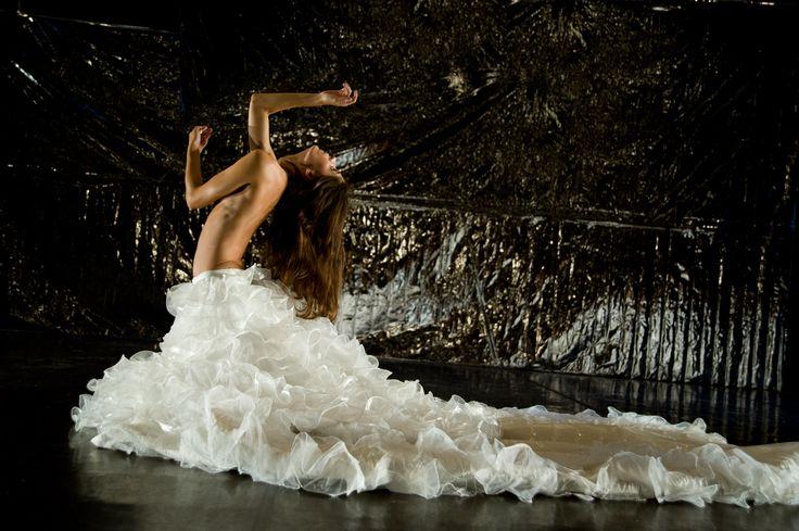Compagnia Artemis Danza / Monica Casadei – Traviata – foto di Beatrice Pavasini