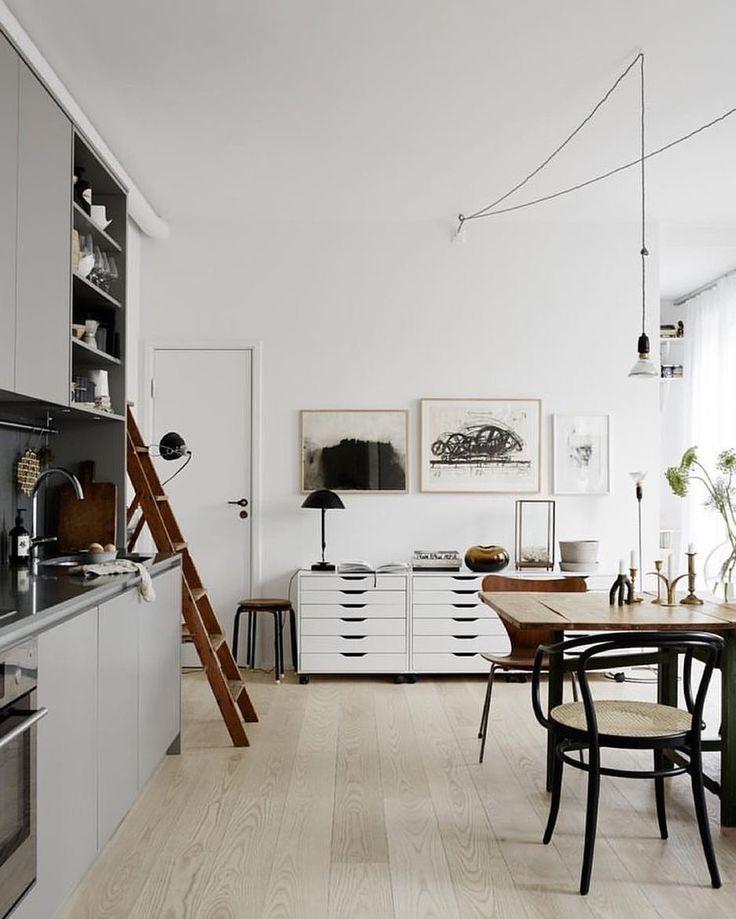#interiordesign #exteriordesign #scandinaviandesign #designlover #designinterior #minimalism #minimalistdecor #greenliving #visual #graphic #inspiration #blackandwhite #interiors #homestyling #homeinspo  #homeinterior #hygge #furnituredesign #interiorstyle #homedecor #architecture #homestyle #interiorinspo #instadecor #homestyling #lifestyle