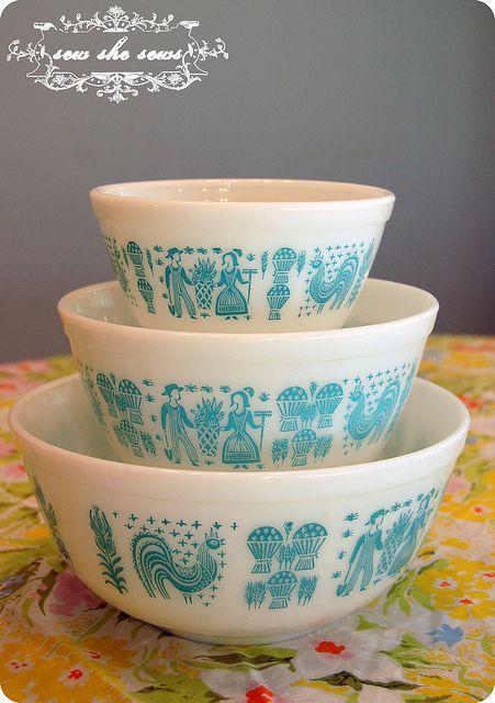 Pyrex Butterprint Mixing Bowls