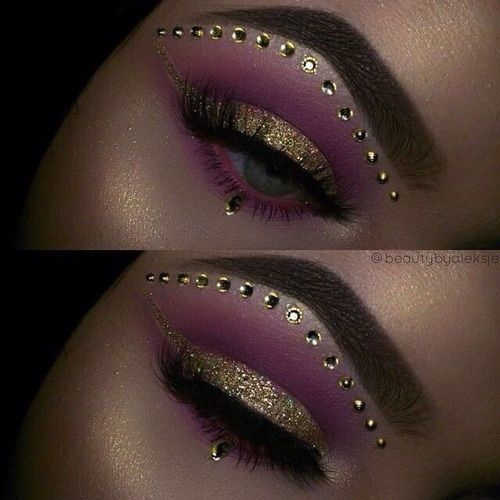 This would be perfect for like a gypsy costume or fortune teller .