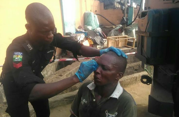 Passengers Injure Driver After Beating Him Mercilessly Over Bus Fare In Lagos