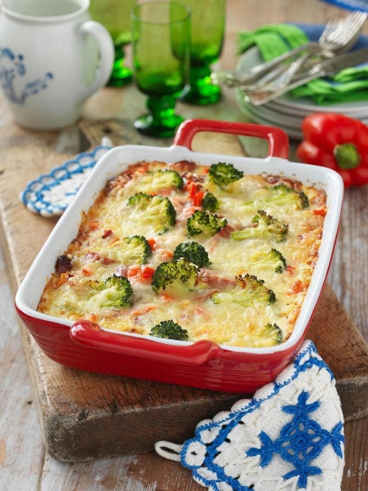 Broccoligratäng+med+kryddig+korv+och+västerbottensost