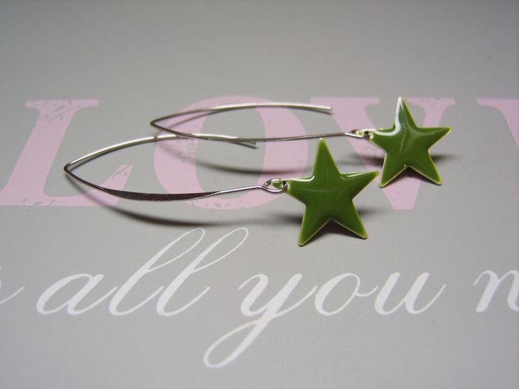 Ohrringe - Ohrhänger Stern oliv - ein Designerstück von beadclub66 bei DaWanda