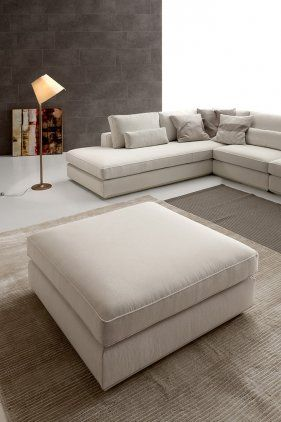 This sofa system comes in two solutions for the back. One with a full-length back cushion (Loman), the other with scatter cushions in different sizes for the backs (Loman Soft).