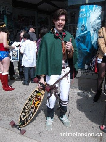 Lets see how those titans like a long board to the face! #AttackOnTitan #SnK #FCBD2015