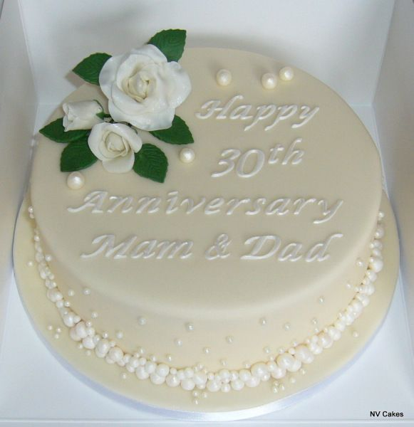 Cake Decorating Pearl Balls : Best 25+ Wedding anniversary cakes ideas on Pinterest ...
