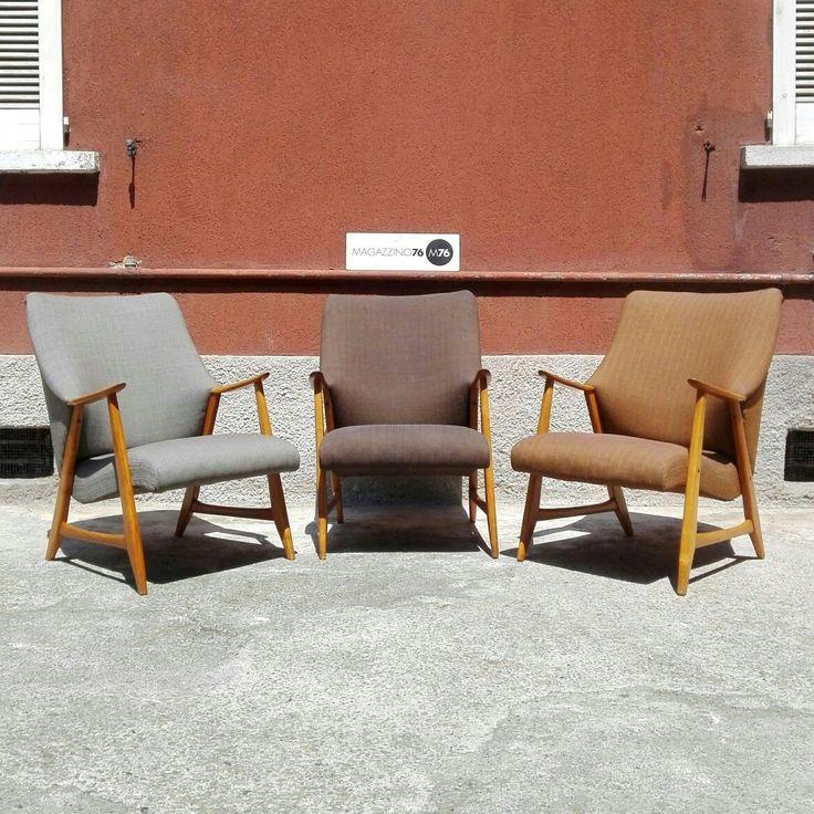 Set di 3 poltrone danesi con struttura in legno massello e rivestimento in tessuto.  Anni 60 Condizioni eccellenti.  Misure 70x70x80h schienale  45h seduta.  #magazzino76 #M76 #viapadova76 #modernariato #antiquariato #vintage #design #stilenordico #poltrone #poltronedanesi #armchairs #poltroneanni60 #perfettecondizioni #solocoseoriginali #anni60 #designanni60 #perfettecondizioni #arredi #mobili #danishdesign  #danishstyle #solocoseperfette