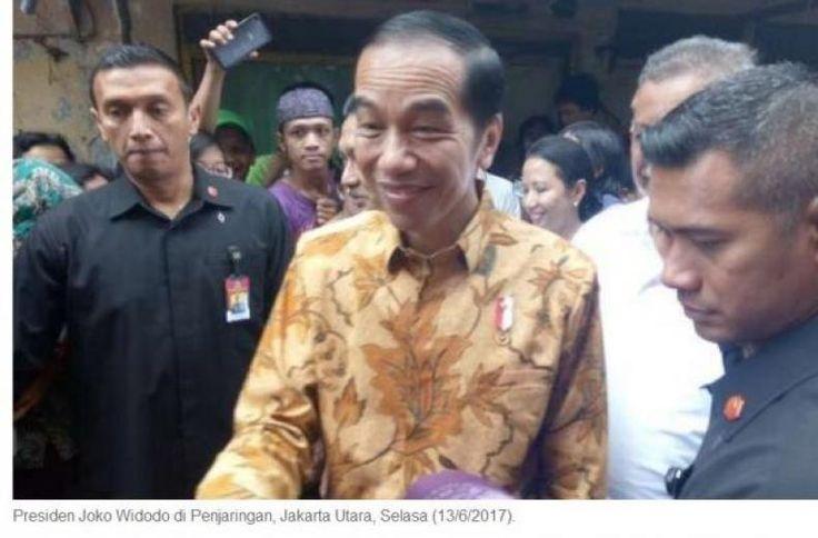 """Presiden Diundang Hadiri Peluncuran The Yudhoyono Institute Jokowi: Ah Saya Ada Acara Lain  KONFRONTASI - Presiden Joko Widodo menyampaikan bahwa dirinya tidak bisa menghadiri acara peluncuran The Yudhoyono Institute malam nanti.  """"Saya ada acara yang lain"""" ujar Jokowi disela-sela pertemuan dengan Jamiyah batak Muslim Indonesia di Istana Merdeka Kompleks Istana Kepresidenan Jakarta Pusat Kamis (10/8/2017).  Jokowi mengatakan dirinya telah menyampaikan langsung ketidakhadirannya dalam…"""