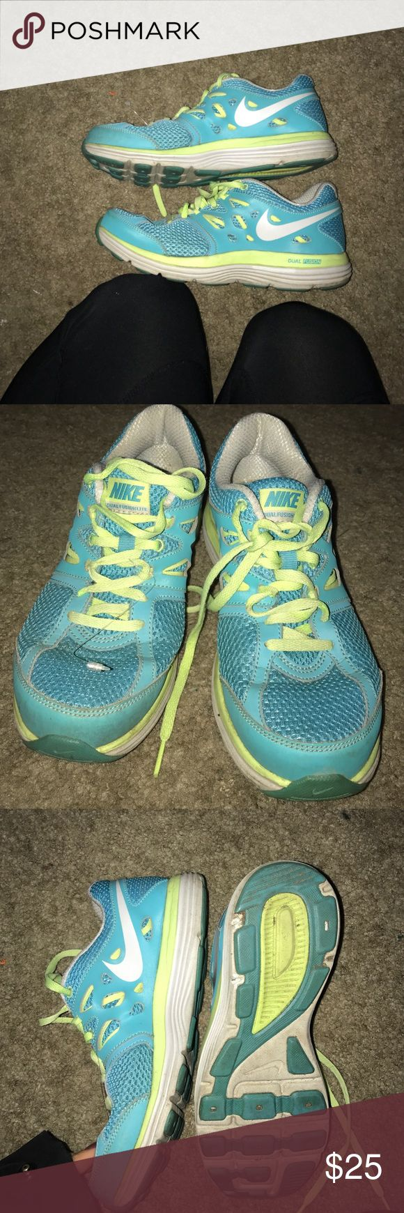 Nike dual fusion lite running shoes Gently worn in great shape Nike Shoes Sneakers