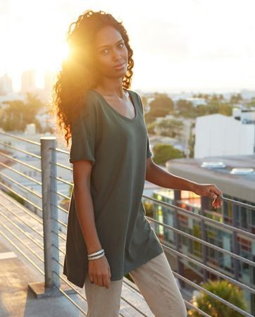 Beautiful green top - not very structured but looks great with a pair of boyfriends and cashmere cardi