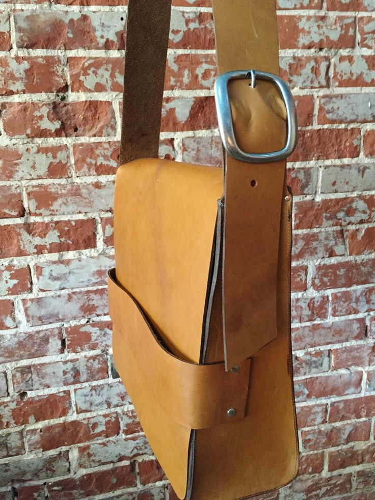 The Retro Satchel - Tan Leather by TheButcherByrd on Etsy https://www.etsy.com/au/listing/255926682/the-retro-satchel-tan-leather