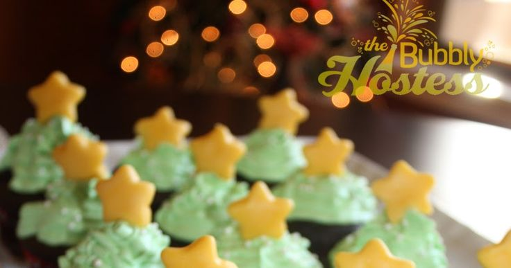 I made these adorable cupcakes for Christmas dessert in 2011. Images of Christmas Tree Cupcakes flooded Pinterest last year - I did some ...