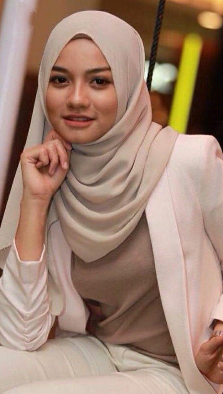 dunia hijaber #hijabicon   Gaya hijab, Jilbab cantik, Wanita