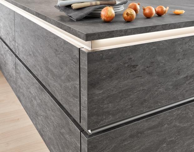 """Arbeitsplatte """"Stone Basalt"""" von Nolte Küchen"""
