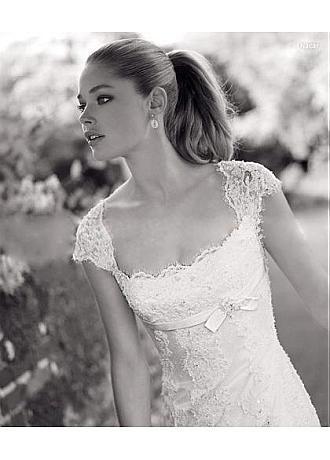 elegant lace princess scoop neckline cap sleeves wedding dress scoop neck wedding dress