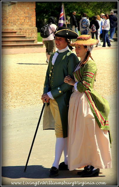Interesting photoblog of Williamsburg, Virginia ~ I always wanted to go to Colonial Williamsburg and just take my time taking in the sites.
