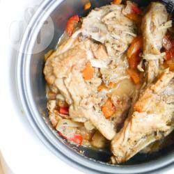 Тушеная курица в мультиварке с овощами