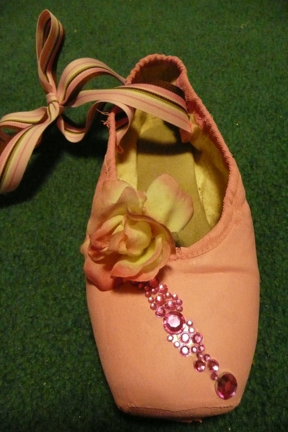 custome decorated pointe shoe by PointePerfection1 on Etsy, $15.99: Point Shoes, Shoes Roses, Pointe Shoes, Shoes Inspiration, Diy'S Ballet, Decoration Point, Dance Shoes, Ballet Shoes, Shoes Diy'S