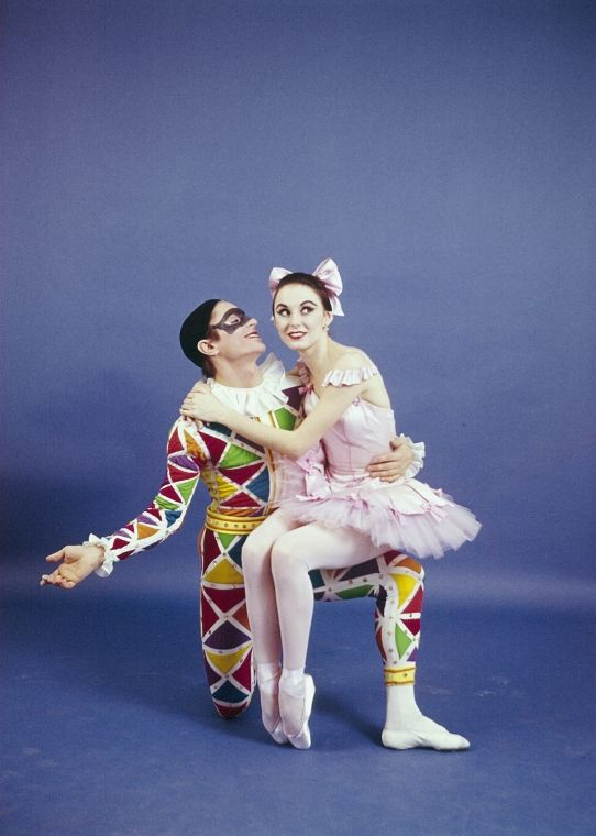 "New York City Ballet -Studio photo Patricia McBride and Edward Villella in ""Harlequinade"", choreography by George Balanchine (New York)"