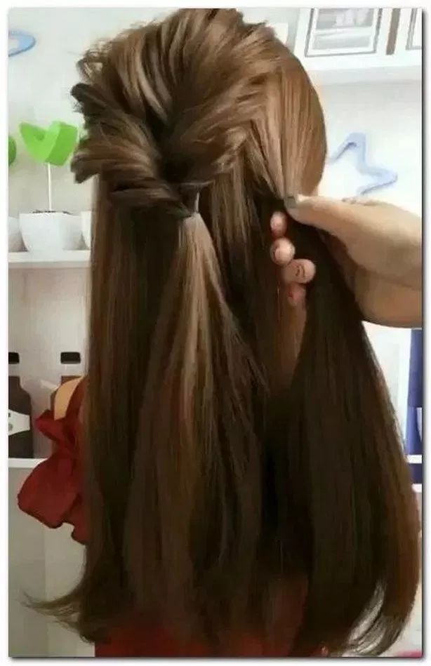21+ Gorgeous Half Up Half Down Hairstyles » Fashion Styles » fashionplace.info #Hairstyles #Hair #halfuphalfdown