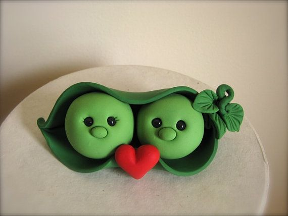 peapod - how adorable!! I want this on top of my wedding cake!