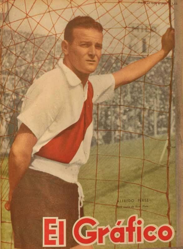 """Alfredo Ricardo Perez, known as a """"Gallego"""" (thats how people of Argentina call these who came to their country of Spain) on the cover of """"El Grafico"""" of 24th December 1954"""