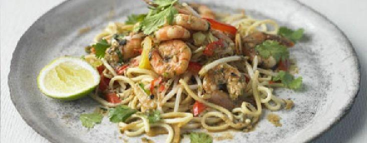 Low FODMAP Recipe - Thai shrimp, ginger  spring onion stir-fry